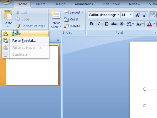 Insert the Excel chart in the Powerpoint presentation