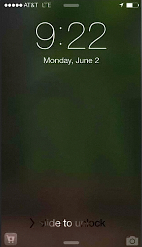 App Store icon appearing on Lock Screen of an iPhone running on iOS8